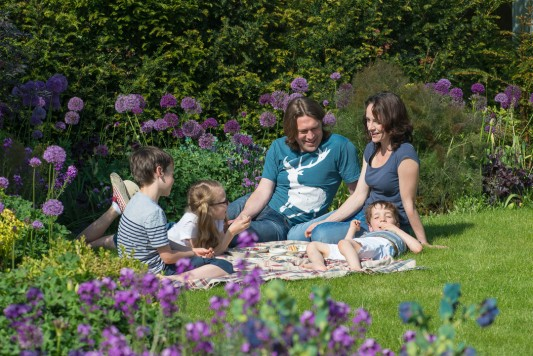 wpid18337-Family-Garden-in-May-GHST002-nicola-stocken.jpg
