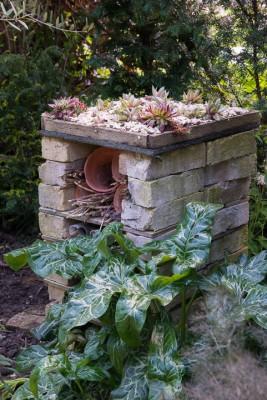wpid18395-Family-Garden-in-May-GHST070-nicola-stocken.jpg