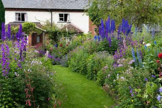 wpid18664-Midsummer-Cottage-Garden-GHGH026-nicola-stocken.jpg