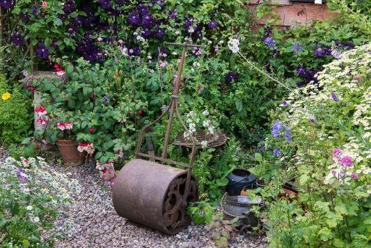 wpid18690-Midsummer-Cottage-Garden-GHGH074-nicola-stocken.jpg