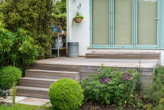 wpid19300-A-Cottage-Garden-in-Pots-GOCK432-nicola-stocken.jpg