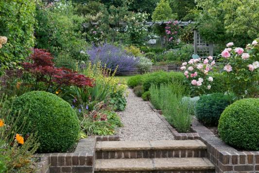 wpid19518-Village-Garden-in-June-GORH009-nicola-stocken.jpg