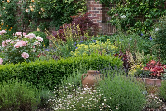wpid19526-Village-Garden-in-June-GORH017-nicola-stocken.jpg