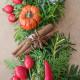Christmas-Wreath-Step-by-Step-QCTW028-nicola-stocken.jpg thumbnail
