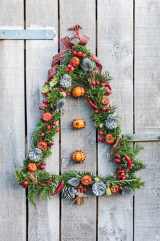 Thumbnail image for Christmas Wreath Step by Step