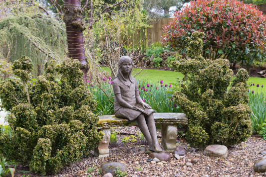 John-Masseys-garden-in-April-GASH245-nicola-stocken.jpg